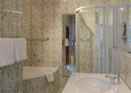 Bathroom Comfort Double Room